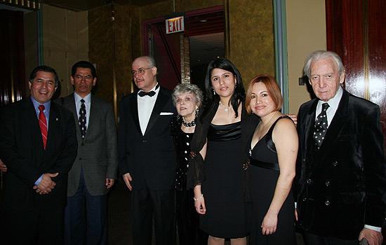 Francisco Manrique, Gary Verow, Eliot & Saundra Halberstam, guests and Jules Peimer